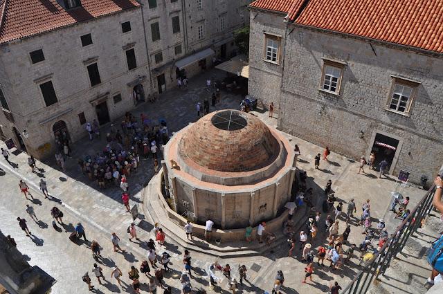 Fuente de Onofrío desde la muralla - Que ver en Dubrovnik