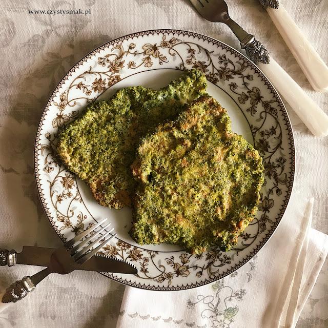 Pieczone kotlety schabowe w brokułowej panierce