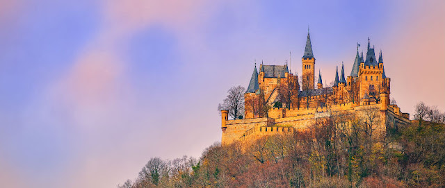 Top 10: World Castles