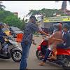 Ikatan wartawan Sarolangun (IWS) turun kejalan berbagi takjil
