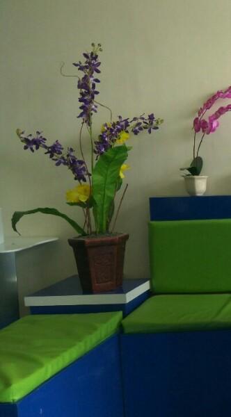 salah satu sudut yang nyaman di Karadenta Klinik kecantikan Malang