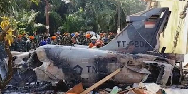 Pesawat Tempur TNI AU Jenis Hawk 200 Jatuh Di Kampar Riau