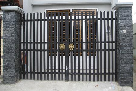 Mẫu cổng sắt 2 cánh nhà phố đẹp nhất