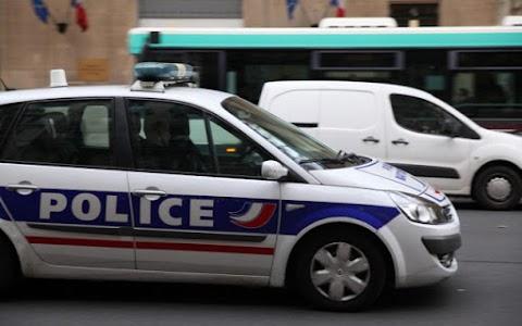 Késsel támadt egy rendőrre egy férfi Párizs belvárosában