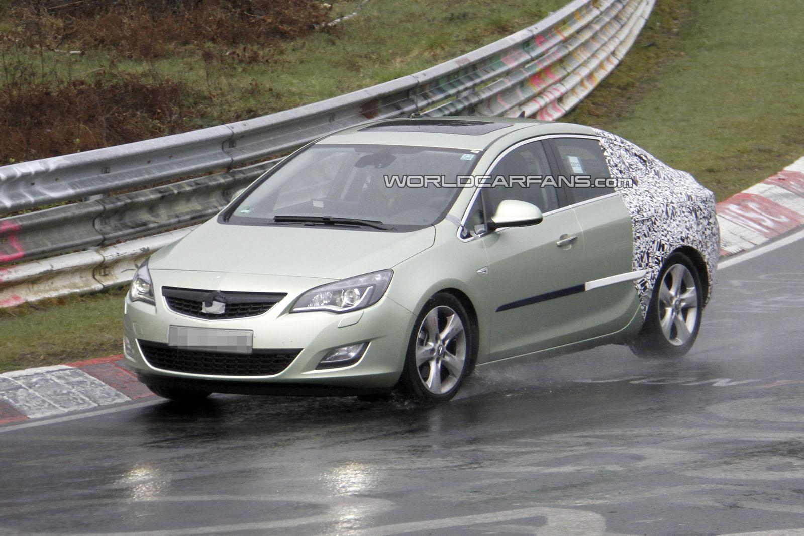 motor mania buzz spied 2013 opel astra sedan. Black Bedroom Furniture Sets. Home Design Ideas