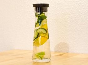 مشروب ديتوكس ماء الليمون والخيار