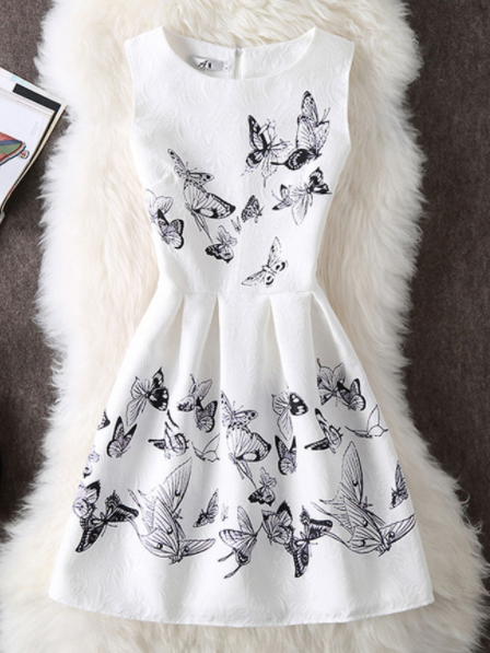 16ce675efcf8 CHIC ROUND NECK SKATER DRESS IN BUTTERFLY PRINTED