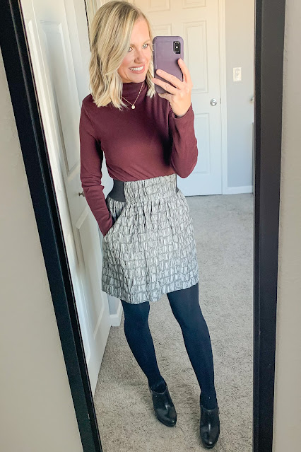 Thanksgiving outfit idea with turtleneck top
