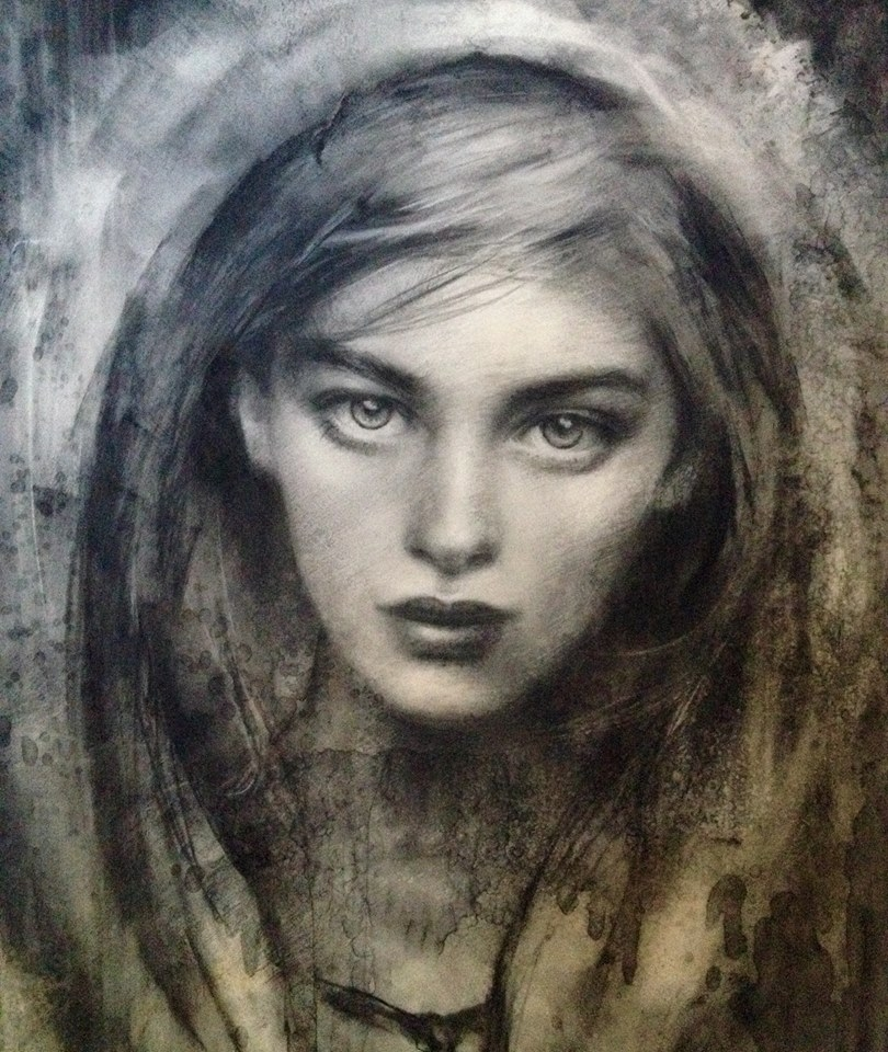 10-Marta-Crawford-Charcoal-Portrait-Drawings-with-Lifelike-Character-www-designstack-co