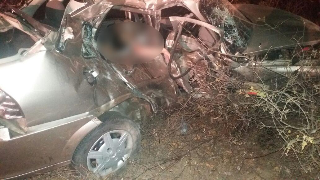 Dois homens morrem em acidente de carro em Carnaubal, no Ceará