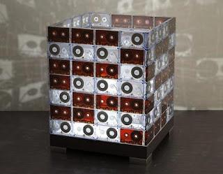 Lampara hecha con material reciclado - cassettes