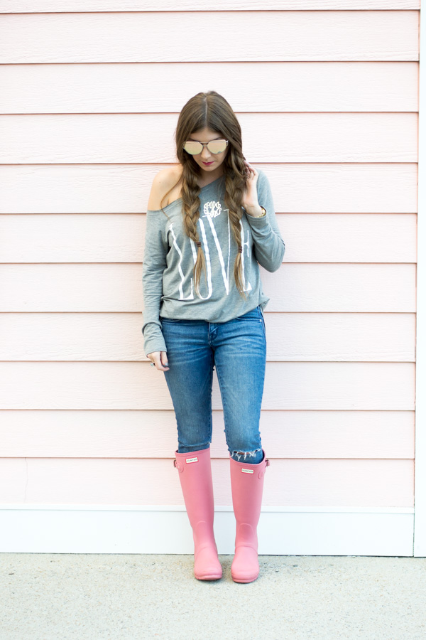 Casual Valentines Day Look by Charleston fashion blogger Kelsey of Chasing Cinderella