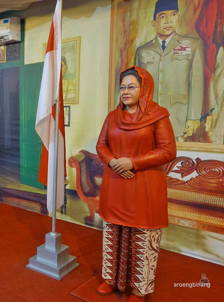 Megawati de arca statue art museum yogyakarta