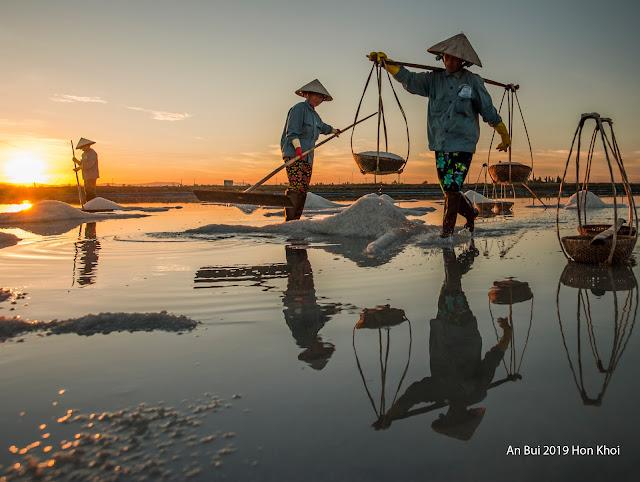 Sáng tác ảnh gánh muối, lưu giữ lại hồn Việt xưa
