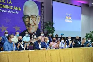 """Danilo Medina  afirma es acto de cobardes arresto contra sus hermanos y exfuncionarios. """"El Internacional """""""