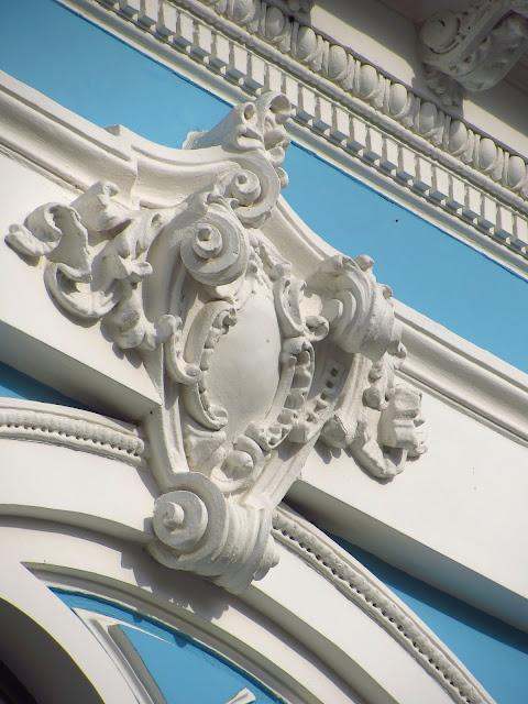 Декор исторического особняка.