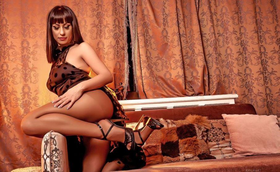KaylaHart Model GlamourCams