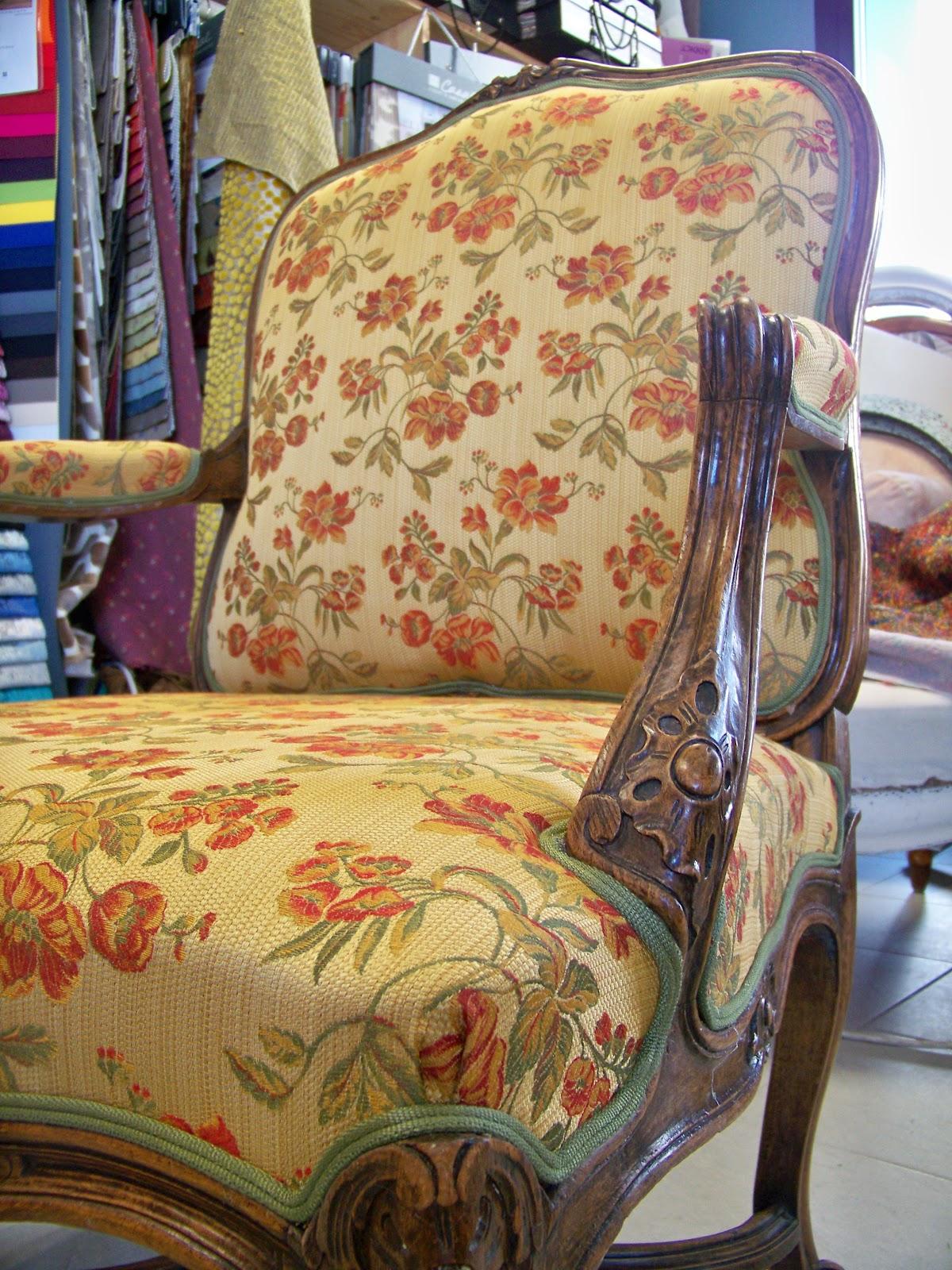 tapissier decorateur. Black Bedroom Furniture Sets. Home Design Ideas