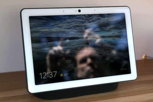 Google's Nest Hub warns you of nearby pollution