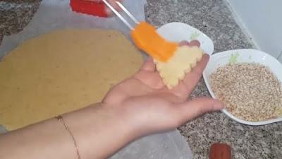 حلويات العيد لام وليد مثلثات الكوكاو بنينة و تقطع كمية كبيرة