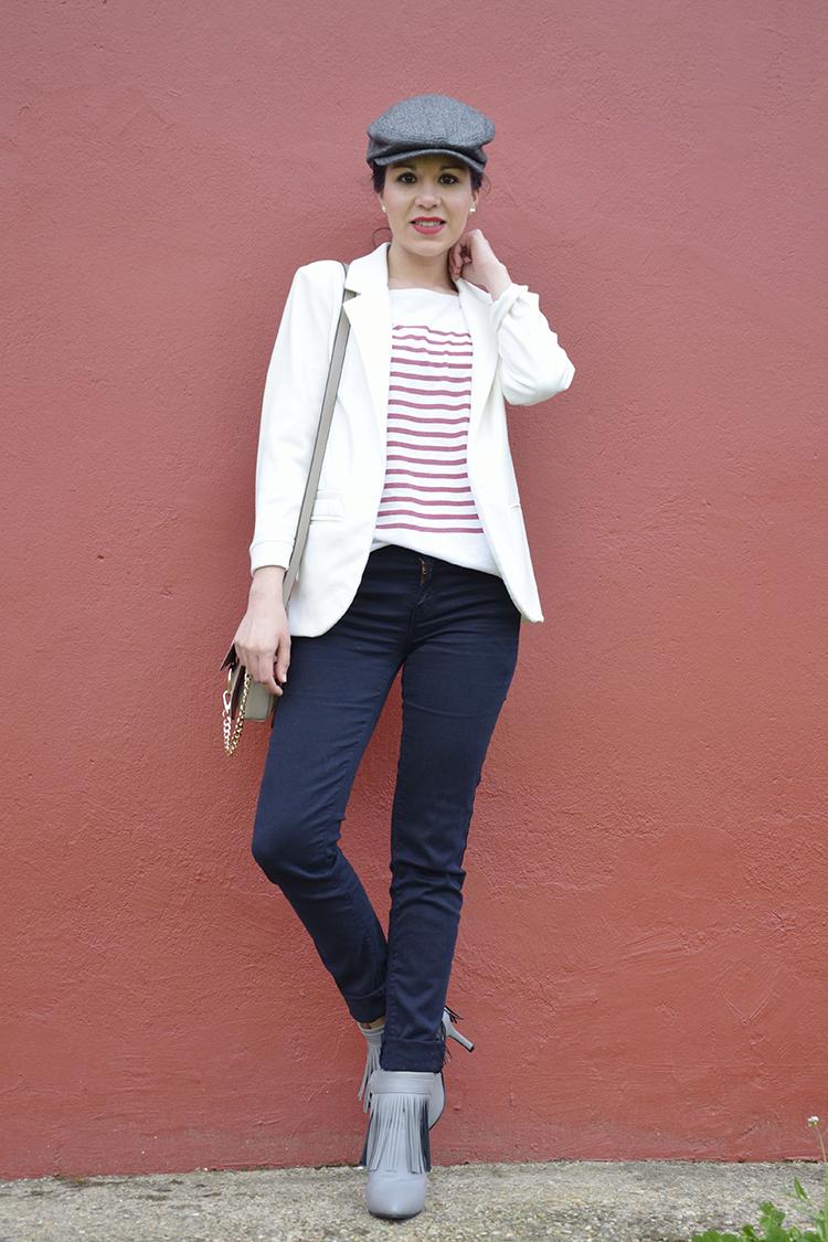 look-blogger-boina-blazer-blanca-botines-flecos-trends-gallery-chloé-bag