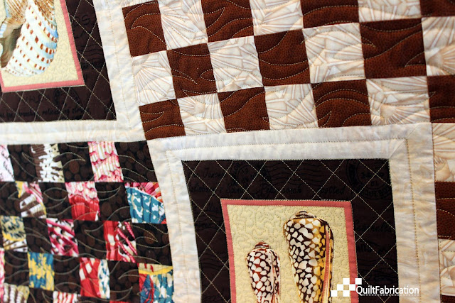 pantograph plus custom quilting closeup
