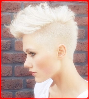 Gaya rambut mohawk untuk wanita terbaru