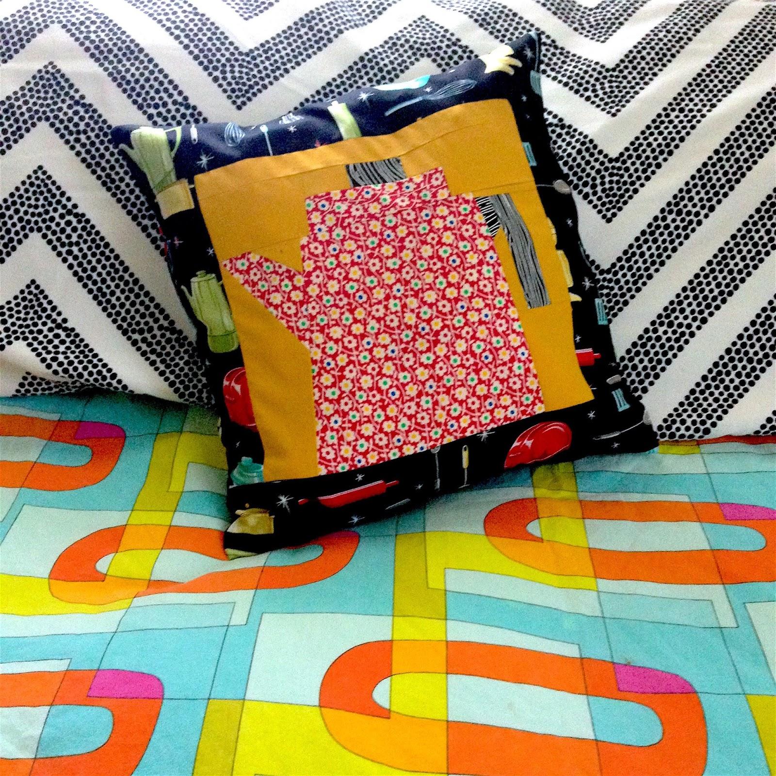 Make A Throw Pillow No Zipper : Zip It Zippers: DIY Zipper Pillow