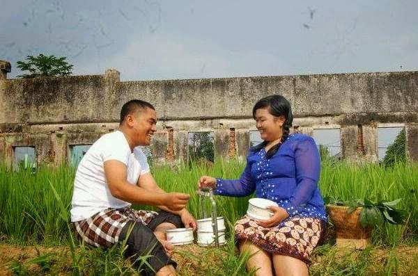 Foto Prewedding Jogja Dengan Lokasi Alam Dan Pegunungan: Pernikahan: December 2013