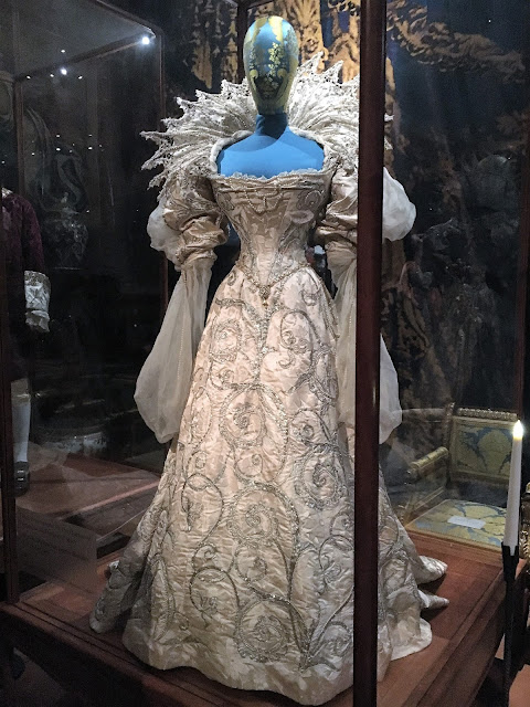 The Devonshire House Ball Chatsworth House Style Exhibition #lbloggers #history #ChatsworthHouseStyle #Chatsworth