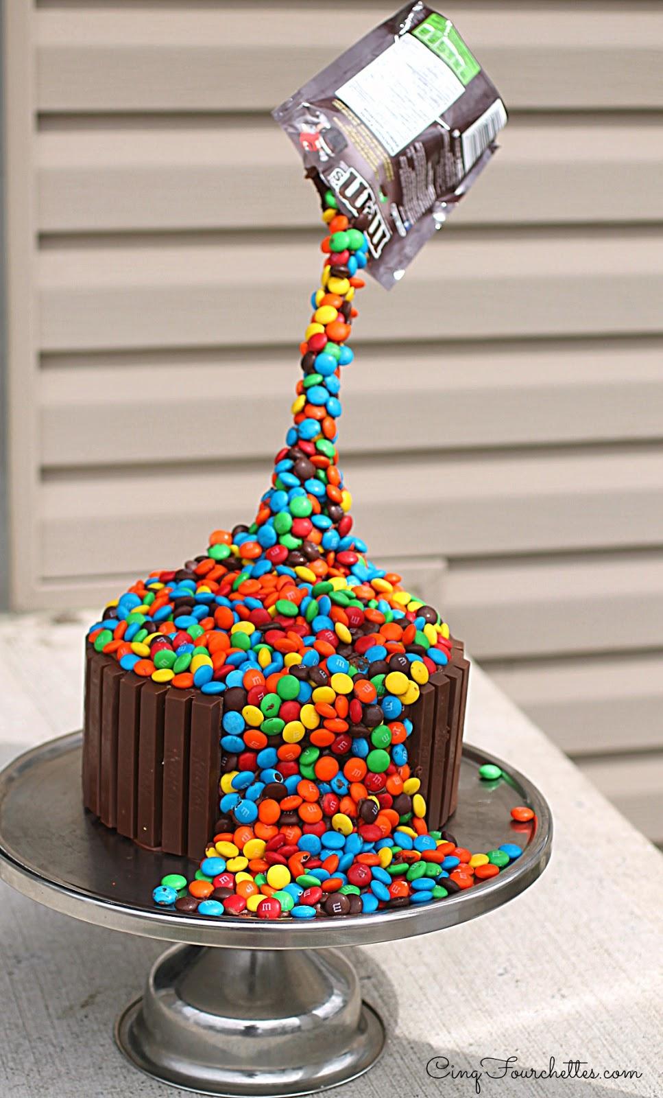 mes trucs pour r ussir un gravity cake 10 id es pour s 39 inspirer cinq fourchettes. Black Bedroom Furniture Sets. Home Design Ideas