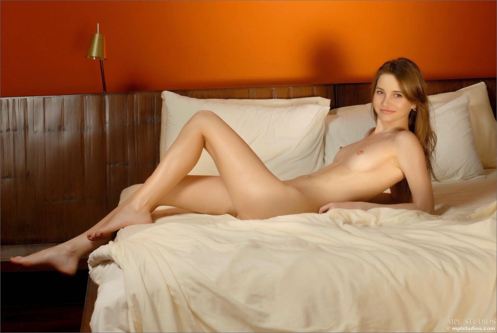 http://1.bp.blogspot.com/-24Xx2pB6Ags/VKgEY0bxVWI/AAAAAAAAJyE/Tpp8BRAw-W0/s1600/4393011.jpg
