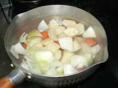 根菜を煮る