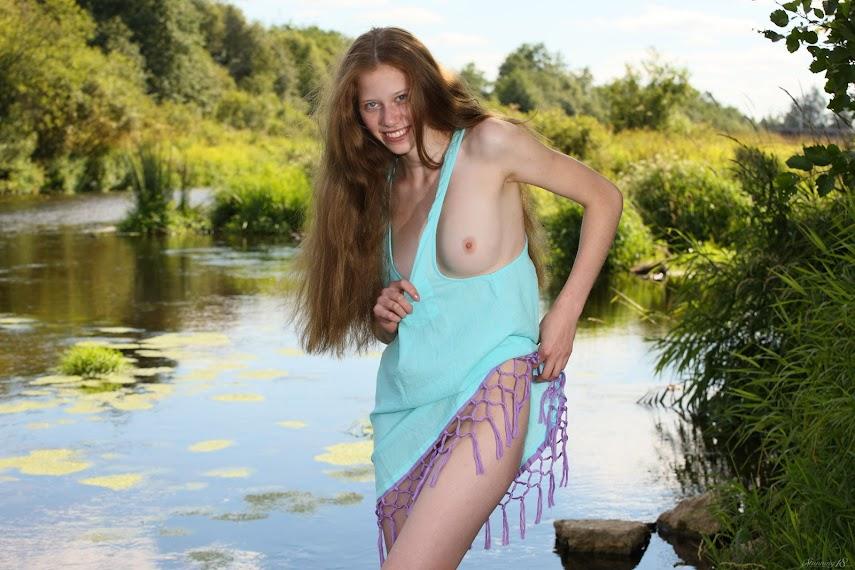 [Stunning 18] Nicole - Modern Mermaid