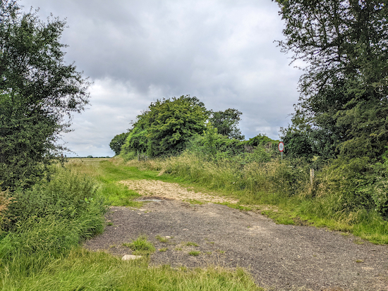 Turn left on Offley footpath 50 then head south with the hedgerow on the left