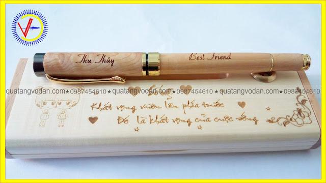 Bút gỗ khắc tên theo yêu cầu mẫu 1 -2