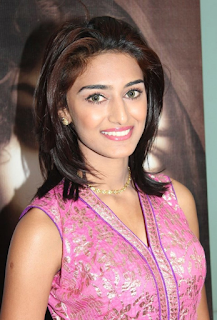 Most Popular Celebrities Erica Fernandes HD Wallpapers5.png