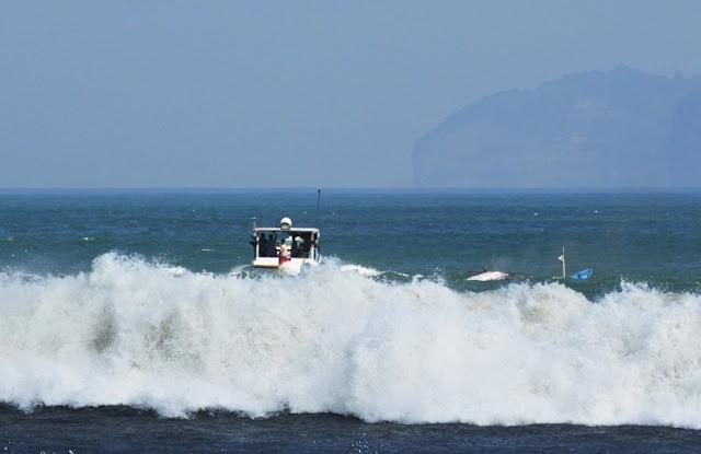 Libur Nataru, BMKG Ingatkan Ancaman Ombak Tinggi Hingga 4 Meter
