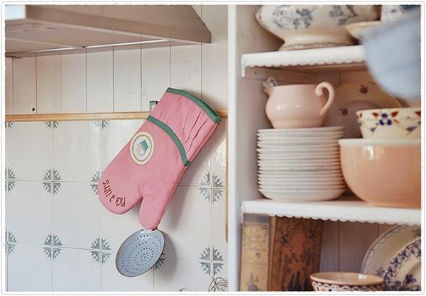 Romantic vintage kitchen style