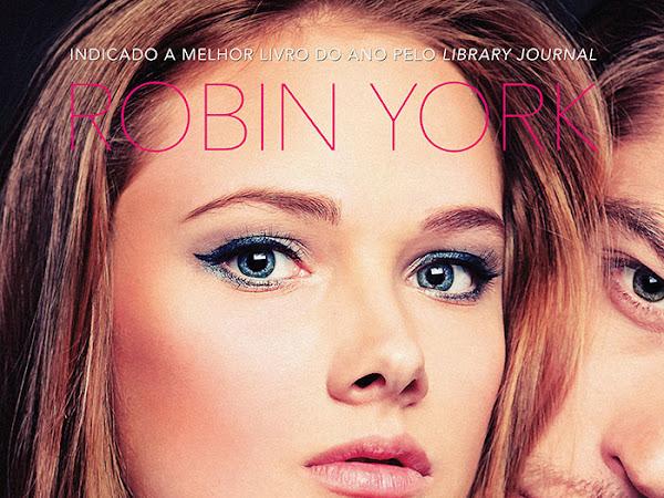 Resenha #297 - Profundo - Caroline e West #1 - Robin York - Editora Arqueiro