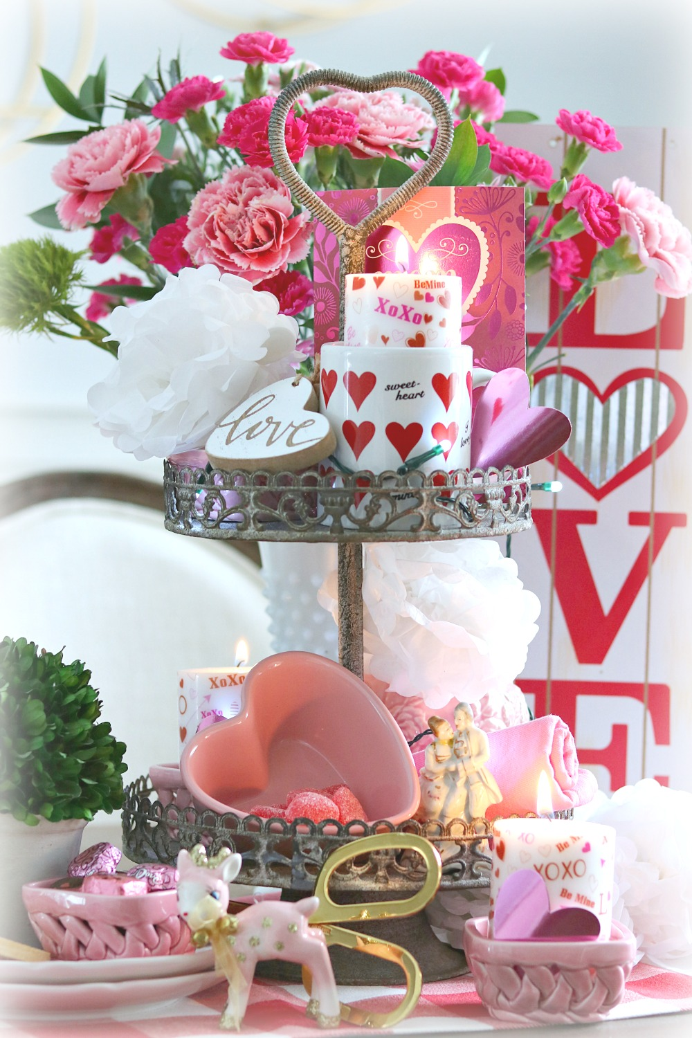 tiered, tray, valentine, valentines, decor, decorating, pink, hearts, red, white, homemaking