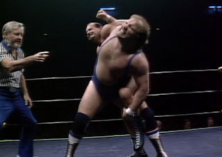 NWA Starrcade 1986 (The Skywalkers) - Nelson Royal puts a hurting on Don Kernodle