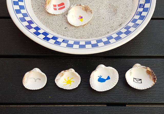 Muschel-Poesie: Mit Muscheln ein einfaches Spiel zum Geschichten-Erzählen basteln. Das Muschelspiel eignet sich für Kinder, Erwachsene und Gruppen, die DIY-Anleitung ist einfach und verständlich.