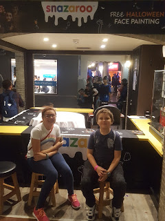 Top Ender and Dan Jon at the Snazaroo stand in KidZania