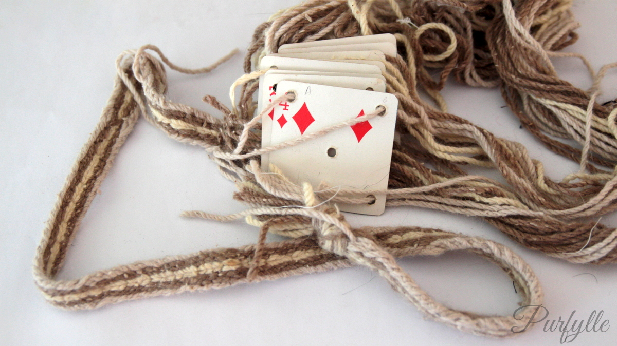 tablet weaving using playing cards