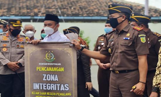 Kejari Pemalang Canangkan Zona Integritas