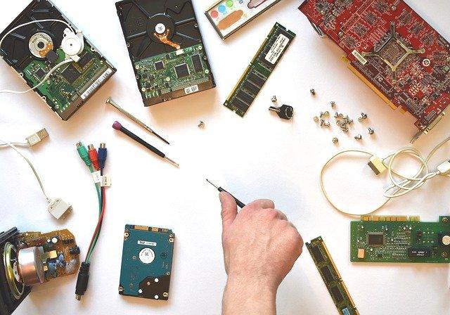 Computer में हार्डवेयर क्या होते है तथा इनके क्या – क्या कार्य होते है