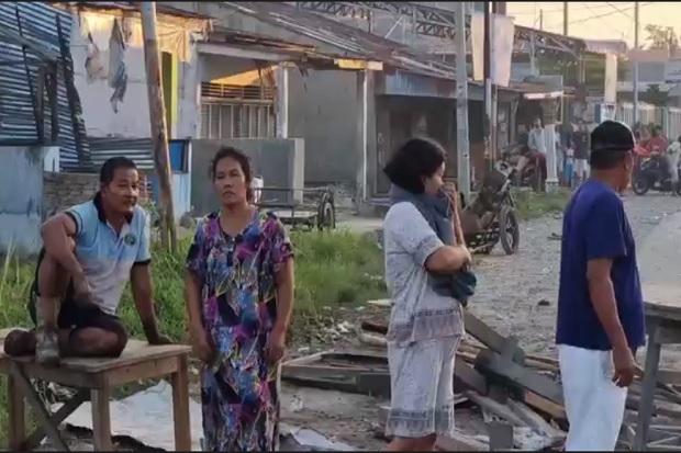 Tangis Pecah di Medan, Gereja Dilempari Molotov, Puluhan Kios Dibakar dan Dijarah Pelaku Tawuran