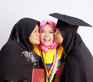 graduation photo of nuzhatul ussak