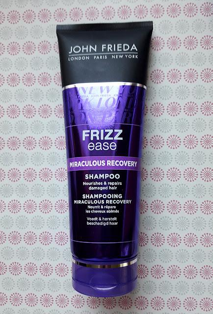 Шампунь Frizz Ease Miraculous Recovery (Чудесное обновление)